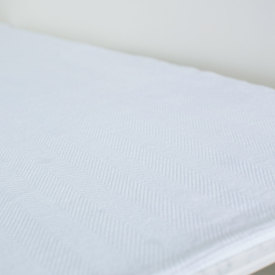 Solid Bleach White Chevron Bed Blanket